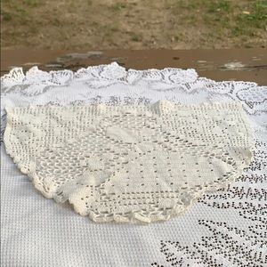 Estate Item - Doily 16 x 12